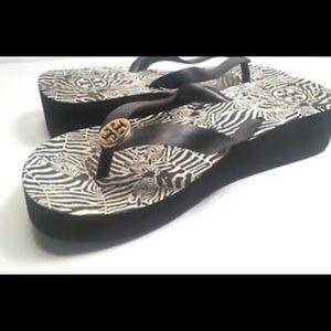 🏖Tory Burch Printed Wedge Flip Flops Zebra Print